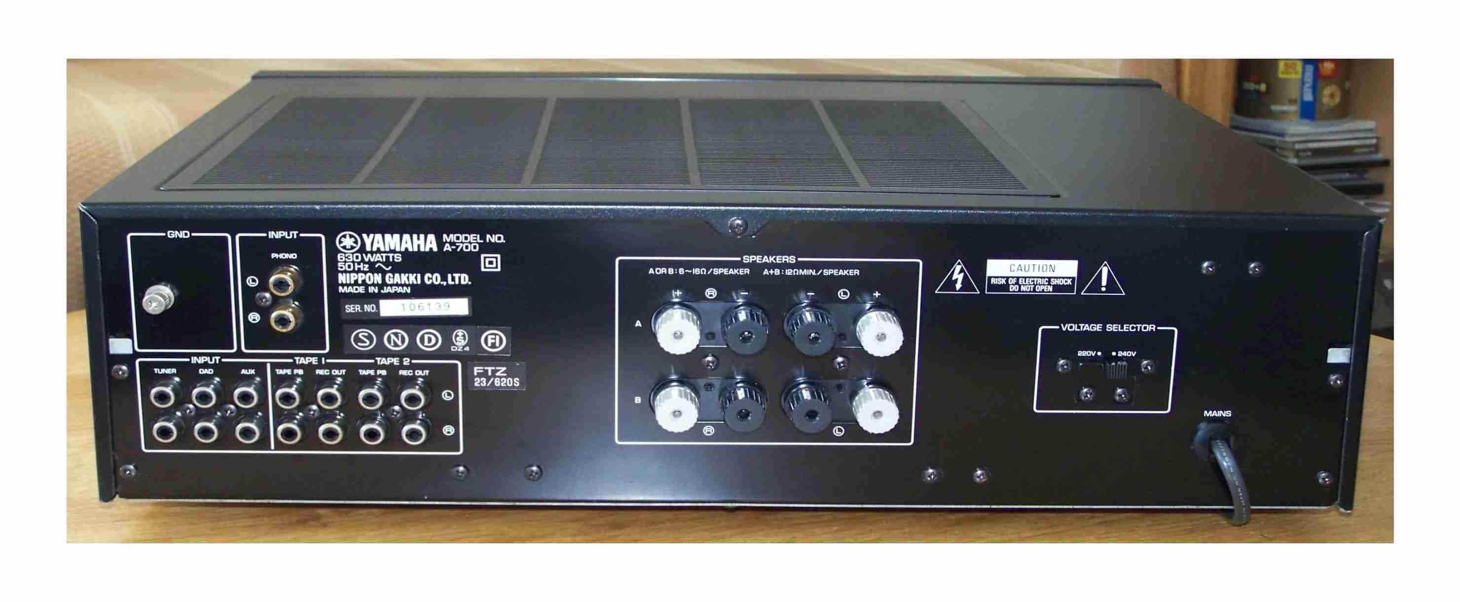 Yamaha%20A-700-3.jpg